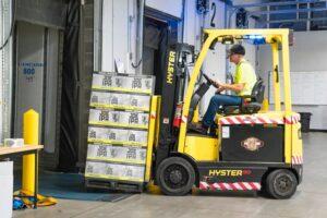 Czym zajmuje się logistyk?